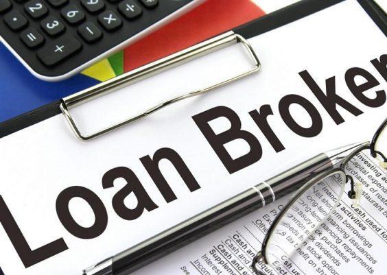 Broker credite pentru restantieri
